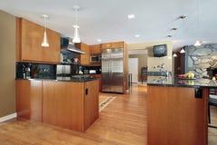 Kitchen with black backsplash Royalty Free Stock Photography