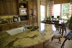 Kitchen with island 2 Royalty Free Stock Photo