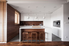 Kitchen with island Royalty Free Stock Images