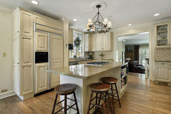 Kitchen with large center island Stock Photography