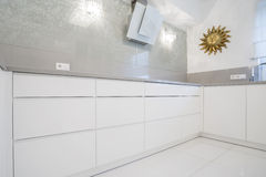 Kitchen with marble wall Royalty Free Stock Photography