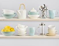 Kitchenware на деревянных полках кухни Стоковые Фото