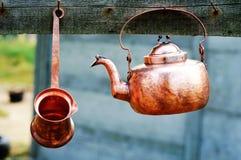 Kitchenware de cobre aciganado Imagem de Stock Royalty Free