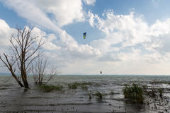 Kite surf on the lake Royalty Free Stock Images