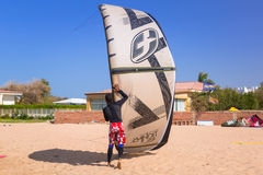 Kite surfers at the beach of Red Sea near Hurghada Stock Photo