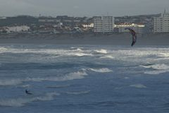 Kite surfers in Peniche Portugal Royalty Free Stock Photos