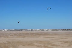 Kite surfing on the beach in Pescara Royalty Free Stock Photos