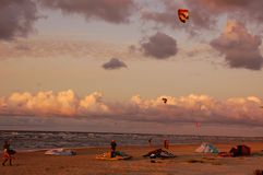Kiteboarders Photos stock