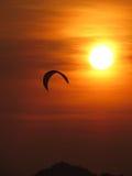 kiteboarding ηλιοβασίλεμα Στοκ Φωτογραφίες