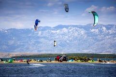Kiteboarding Kitesurfing极端体育 免版税库存图片