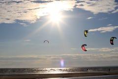Kiteboarding, sol e praia ou natureza Imagem de Stock