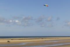 Kitebuggy auf dem Strand stockbilder