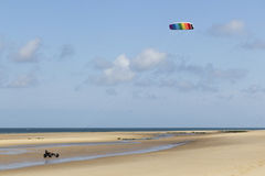 Kitebuggy op het strand Stock Foto's