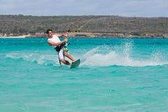 Kitesurf dans la lagune Photos stock