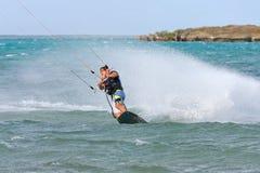 Kitesurf dans la lagune Images libres de droits