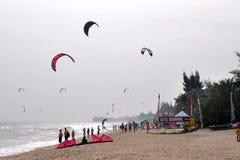 Kitesurf en Ne de mui Photographie stock
