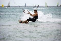 Kitesurf - het ras Stock Fotografie