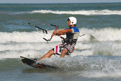 Kitesurf no wawe Fotografia de Stock