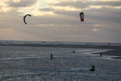 Kitesurf riders. In Foz do Arelho. a beach in portugal with a lake . a paradise for wind riders Royalty Free Stock Photos