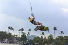 Kitesurf sur l'île de Koh Samui 31 janvier 2015 Photographie stock