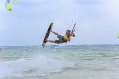Kitesurf sur l'île de Koh Samui 31 janvier 2015 Photographie stock libre de droits