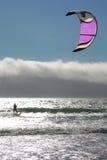 Kitesurfer en contraluz Fotos de archivo
