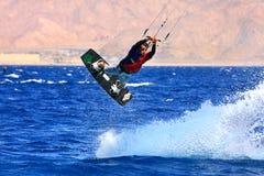 Kitesurfer en el Mar Rojo. Fotografía de archivo libre de regalías
