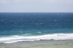 Kitesurfer in La Digue, Seychelles, editoriali Immagine Stock Libera da Diritti