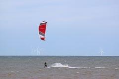 Kitesurfer na morzu Fotografia Royalty Free