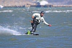 Kitesurfer w Portlandzkim schronieniu Zdjęcia Royalty Free