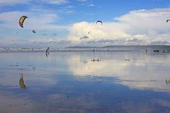 Kitesurfers на на запад Ho! пляж Стоковые Фотографии RF