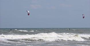 Kitesurfers Foto de archivo
