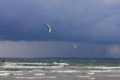 kitesurfers Zdjęcia Stock
