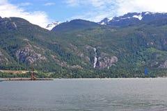 Kitesurfers em Squamish, Canadá Fotografia de Stock
