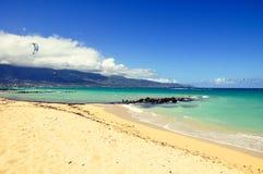 Kitesurfers på den Kanaha stranden - Maui, Hawaii Royaltyfria Foton