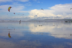 Kitesurfers on Westward Ho! beach Royalty Free Stock Photos