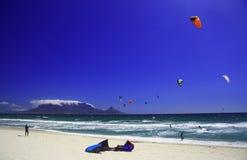 Kitesurfing开普敦(i) 库存图片