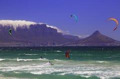 Kitesurfing Кейптаун (III) Стоковые Изображения RF