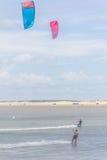 Kitesurfing на пляже Cassino Стоковое Фото
