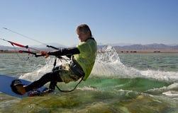 Kitesurfing Lizenzfreies Stockfoto