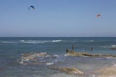 Kitesurfing στοκ εικόνα με δικαίωμα ελεύθερης χρήσης