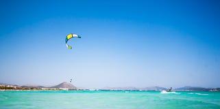 Kitesurfing Fotografia Stock Libera da Diritti