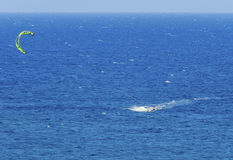 Kitesurfing Foto de Stock
