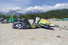 Kitesurfing Imagen de archivo libre de regalías