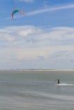 Kitesurfing alla spiaggia di Cassino Fotografia Stock