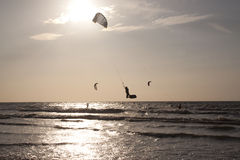 Kitesurfing along the French coast Royalty Free Stock Photos