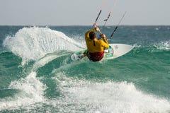 Kitesurfing Cabo佛得岛 图库摄影