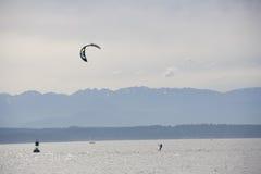 Kitesurfing kiteboarding surfing Obrazy Stock