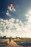 Kitesurfing lekcj wakacje letni wakacje surfingu pojęcie fotografia stock