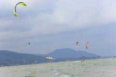 Kitesurfing na Koh Samui wyspie 31 2015 Styczeń Obrazy Stock